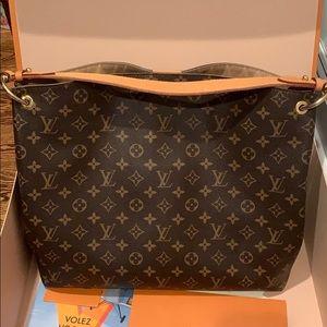 GRACEFUL MM Louis Vuitton shoulder bag.